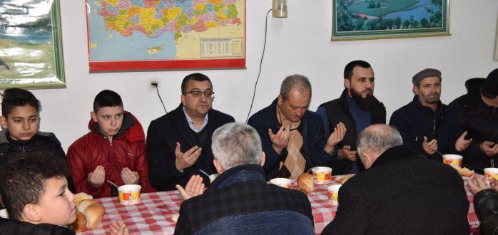 Başkanımız Bülent ÖZ Şuayb Camii'nde Mahalle Sakinlerinin Düzenlediği Çorba İkramında Yanlarında Oldu